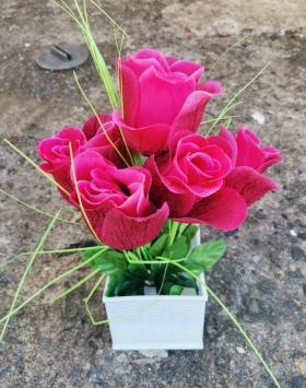 Hiasan Bunga Mawar Terindah Warna Merah