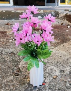 Bunga Pink Rain Lily