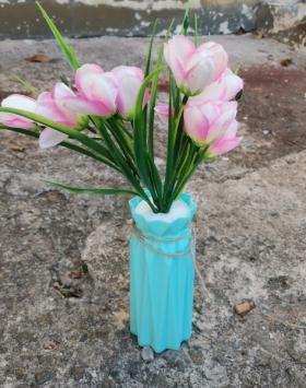 Bunga Kuncup Sprenger's Tulip White Rose