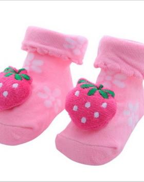 Kaos Kaki Bayi Perempuan Bentuk Strawberry