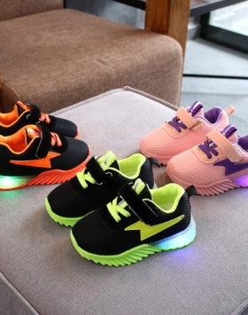 Terbaru Sepatu LED Thunder Impor Size 26-30