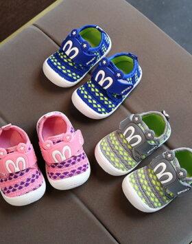 Terbaru Sepatu Bunyi Untuk Bayi Size 16-21